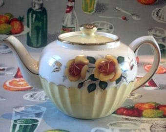 Charming yellow cupcake style Sadler teapot with yellow roses, c.1960's.