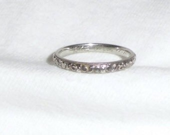 Vintage 18k White Gold 1928 Estate Wedding Ring Band J.R. WOOD Custom Engraving 2.9g sz 8 Marked 18 k kt 18kt 750 Woman Man Unisex Engraved