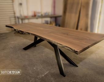 Designer Baumkanten-Tisch (live edge table) für 8-10 Gäste aus massivem Walnussbaumholz (walnut wood)