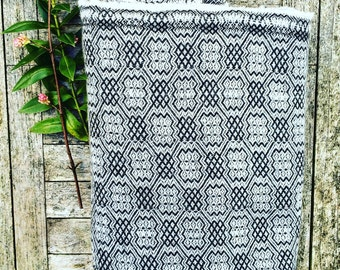 HOUSE OF BEULAH Arabesque Blanket & Throw - 100% Cashmere, Black