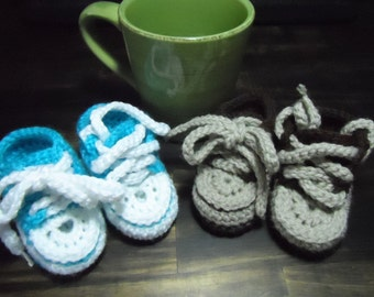 Crochet childs converse style booties/slippers