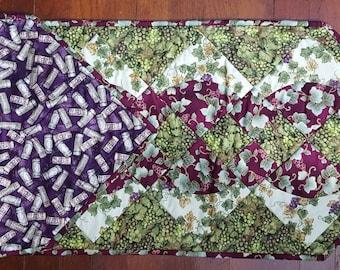 Grapes Table Runner