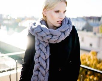 Chunky knit scarf, giant yarn, arm knit from 100% merino wool, extra warm, oversized scarf, giant scarf