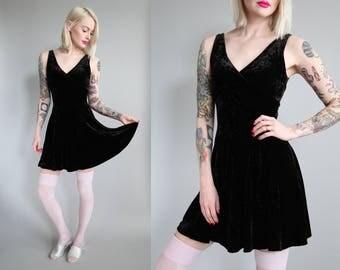 Vtg 90s BETSEY JOHNSON Black Velvet Skater Dress sz XS/S