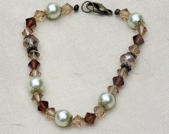 Crystal and Pearl Beaded Bracelet