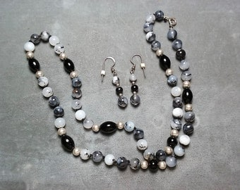 """Botswana Agate Necklace 22"""" and Earrings"""