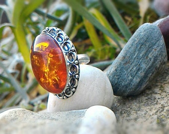 Stunning Baltic amber and 925 sterling silver ring size 8.25 US 58.25