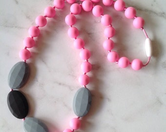 Silicone Teething Necklace - Gray & Pink