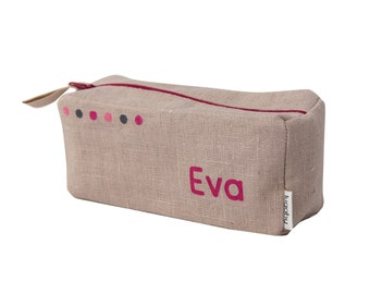 Fuchsia pencil case with small dots pattern