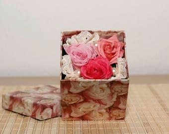 3 preserved rose in a beautiful box