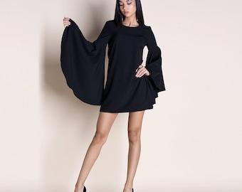 Mini bell sleeves dress
