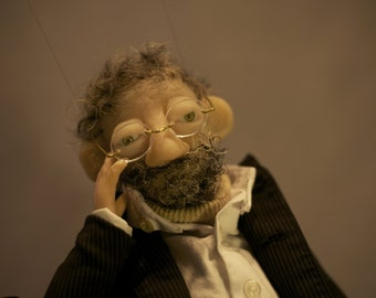 """Puppet collection the thinker. Puppet art, handmade. """"The traveller"""" collection. Dazzling and realistic."""