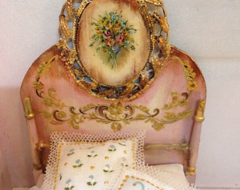Polychrome bed. Bed, hand painted furnitures