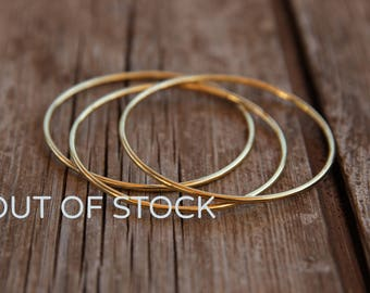 OUT OF STOCK !!! Womens Thin Bracelet, gold  bangle bracelet, gold  bracelet, gold bangle,  minimal bracelet,  Hammere Gold Stacking Bangles