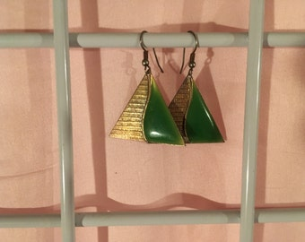 Green and Gold '80s earrings.  Vintage.  Good condition.