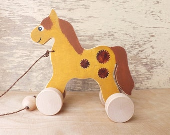 Wood pull along toy Horse in Ocher / Gold, hand cut hand-painted toys for toddlers, personalized cheerful wooden toy animal horse on wheels