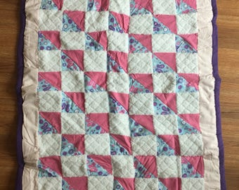 Pink & White Toddler Bed Quilt