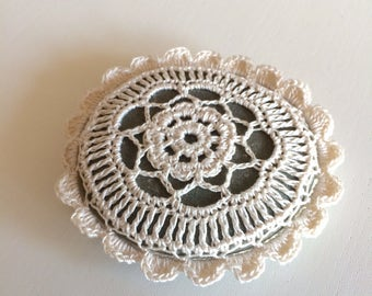 Lace Stone made in Italy, white Crochet covered stone, Celtic wedding, Celtic wedding, Romantic gift Home Decor, Beach wedding Valentine
