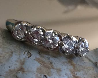 Beautiful vintage 5 stone band...