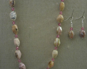 "21"" pink Agate necklace with earrings"