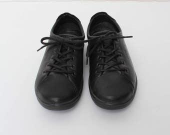 Vintage Black Leather Ecco Shoes/ Size 37