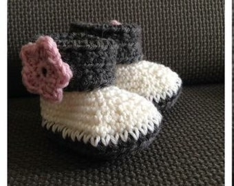 crochet 100% wool baby booties