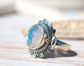 Moonstone Ring ~ June Birthstone ~ Sterling Silver 925 ~ Gemstone ~ Jewelry ~ Statement ~ Boho ~ Handmade ~ Bohemian ~Hippie ~Detailed MR021