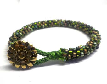 Forest green beaded bracelet with button clasp