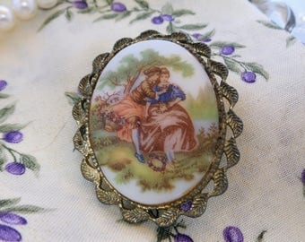 Porcelain Fragonard Courting Couple Brooch