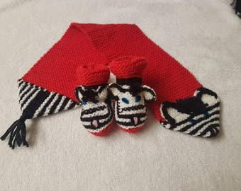 Baby Booties & Scarf HAND KNITTED Matching Set ZEBRAS 3-6 Months