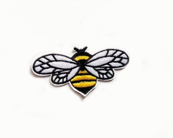 1x flying bee PATCH Embroidery badge Iron On Embroidered Applique black yellow white insect cute