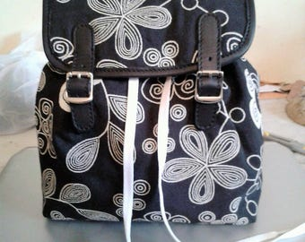 Women's leather and fabric backpack
