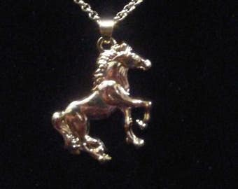 Beautiful galloping horse pendant necklace