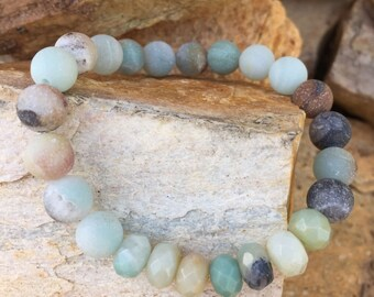Gorgeous amazonite gemstone stretch bracelet