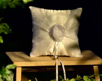 Rosette Ring Cushion