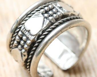 Vintage Handmade Metal Band Ring - Large Decorative Band Ring - Metal Band ring UK Size O.5