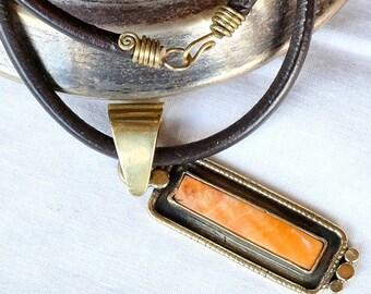 Espondilos - Yellow Sea pendant necklace