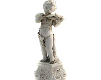 LOVELY music player in the XIX th century porcelain