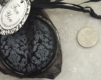 Elegant mirror favor with organza bag and tag