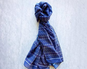 Resist: Scarf with a secret statement