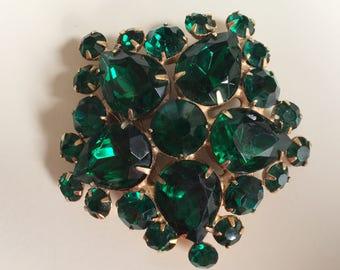 Beautiful Vintage Green Rhine Stone Brooch & Earrings