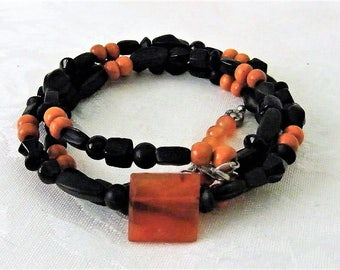 Memory Bracelet with Black Beads and Carnelian - Eye of the Tiger