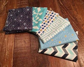 Fat Quarter Bundle in Premium Cotton Fabrics - Color Blue