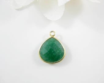 1 PC Dyed Emerald Green Pendant, Handmade Gold Vermeil Bezel Rim Gemstone Pendant, 17 x 14mm