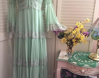 Vintage 60s 70s Bohemian Festival Prairie Hippie Wedding Maxi Dress