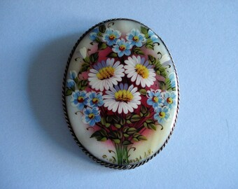 Hand painted floral porcelain brooch by Konoba