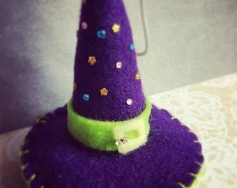 Witches hat felt decoration