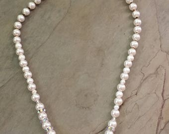 Basic white pearls with shimmer