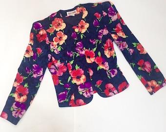 Women's Navy Floral Slim Fit / Structured Shoulder / 100% Silk Vintage Blazer Size 8