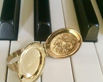Vintage Locket Ring US size 6/5.5